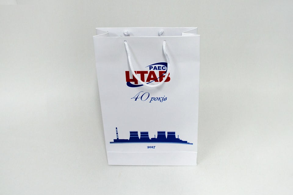 друк логотипів на пакетах