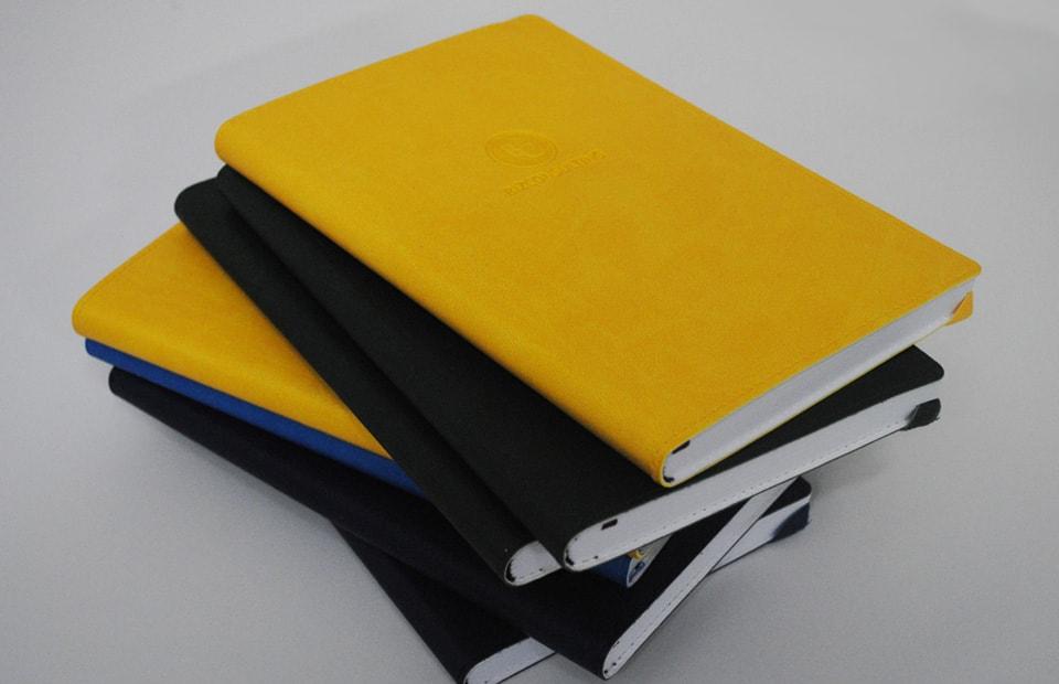 тиснення логотипів на щоденниках